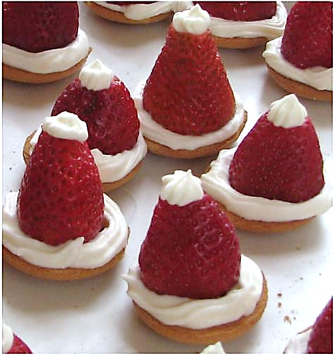 Santa_Hat_Strawberries