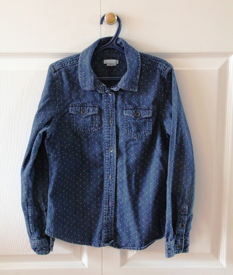 Blue_denim_shirt